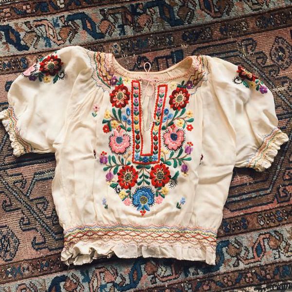44e4fb036 Folklórne oblečenie môže ovládnuť aj tvoj šatník!   TopModa.sk