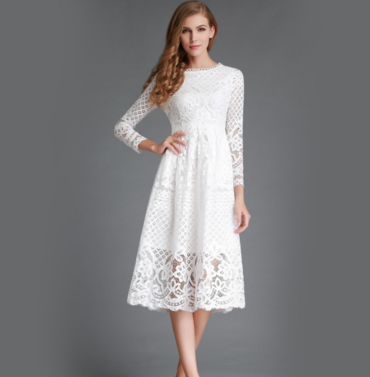 Jemná a nevinná. Valentínsky outfit môžete ladiť aj do bielej alebo  bledoružovej farby. 7955f1be61e