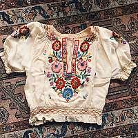 Folklórne oblečenie môže ovládnuť aj tvoj šatník!