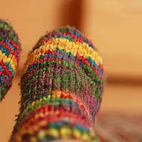 Prečo sa oplatí nosiť hrubé ponožky do postele?