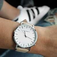 Retro hodinky pre ženy sú stále IN!