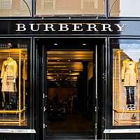 Značka Burberry očarí károvaným vzorom. Na Slovensku sú populárne aj parfémy
