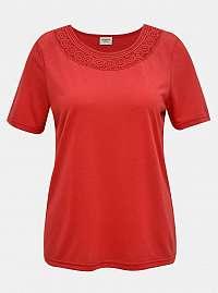 Červené tričko s čipkovaným lemom Jacqueline de Yong Finja