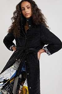 Desigual čierne zimné prešívaná kabát Desigual Granollers