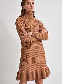 Hnedé svetrové šaty s rolákom Trendyol