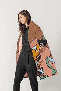 SKFK hnedé zimní kabát Ekidna s farebnými motívmi