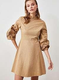 Svetlohnedé šaty Trendyol