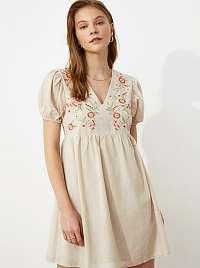 Trendyol béžové šaty s výšivkami