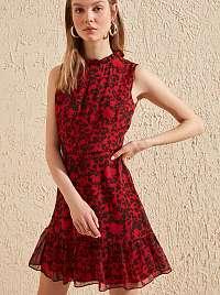 Trendyol červené letné šaty so vzormi