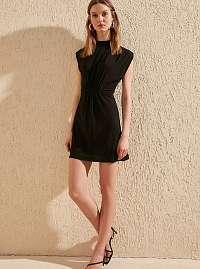Trendyol čierne elegantné šaty so stojačikom