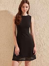 Trendyol čierne letné šaty s čipkou
