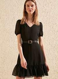 Trendyol čierne letné šaty s volánmi