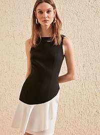 Trendyol čierno-biele elegantné šaty