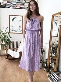 Trendyol fialové midi šaty s drobným vzorom
