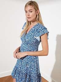 Trendyol modré kvetované šaty s volánovými rukávmi