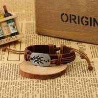 Svetlo-hnedý náramok s marihuanou