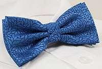 Zaujímavý vzorovaný modrý motýlik